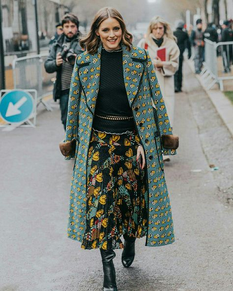 Mix de estampas @oliviapalermo - Milan Fashion Week  @collagevintage2  #moda #estilo #tendência #fashion #fashionblog #modamujer #modafeminina #streetstyle #streetfashion #streetwear #modaderua #estiloderua #outfitt #ootd #outfitoftheday #outfitideas #outfits #milan #milano #milao #milanfashionweek #mfw