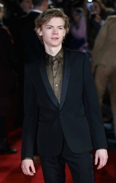 Thomas Brodie Sangster At The Death Cure Movie Premier In London Tdc Tbs Mazerunner Thomas Sangster Schauspieler Thomas Brodie Sangster