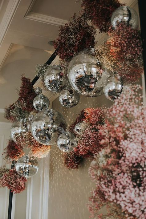 (21) fianceebodas (@FianceeBodas) / Twitter Corporative Events, Design Floral, Bridal Cape, Partys, Disco Ball, Event Styling, Event Decor, Wedding Designs, Dream Wedding