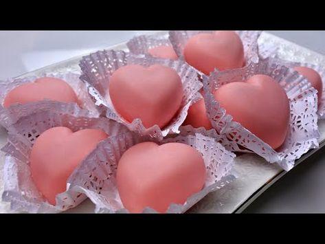 قلوب شوكولا محشية بالرافايلو مع شرح طريقة تلوين الشوكولا خطوة بخطوة حلويات طبخات ياسمين Youtube Cooking