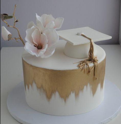 Graduation Cake Designs, College Graduation Cakes, Graduation Party Desserts, Graduation Party Planning, Graduation Cupcakes, Graduation Celebration, Grad Party Decorations, Creative Birthday Cakes, Beautiful Birthday Cakes