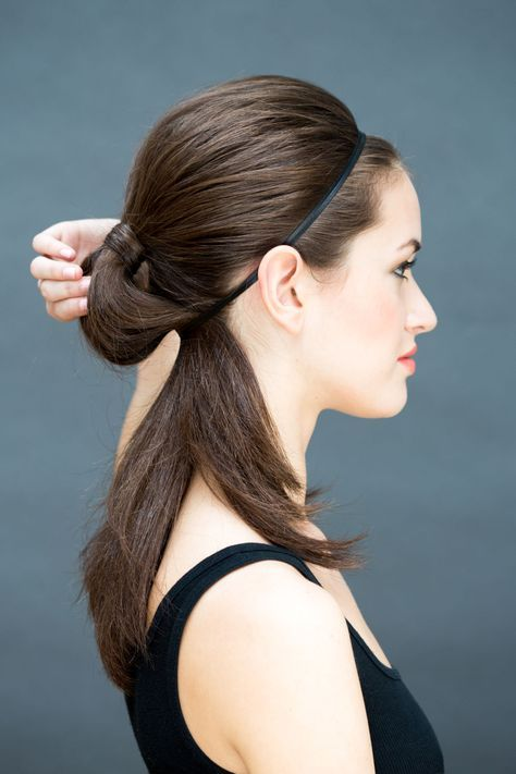 10 Hairstyles You Can Do In Literally 10 Seconds Hair Styles Easy Hairstyles Diy Hairstyles