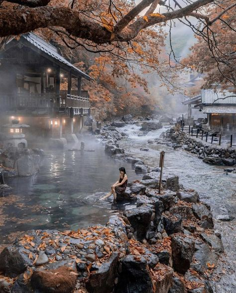 Discover Takaragawa Onsen Osenkaku - One of the most beautiful Hot Spring place in Japan! fotografia Discover Takaragawa Onsen Osenkaku - One of the most beautiful Hot Spring place in Japan! Gunma, Aesthetic Japan, Travel Aesthetic, Adventure Aesthetic, Travel Photographie, Les Continents, Destination Voyage, Beautiful Places To Travel, Train Travel
