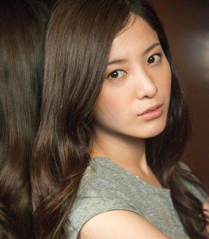 吉高由里子のタラレバ風のメイク Getbeauty 美髪 美人 ヘア