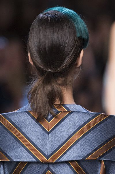 Fendi, Spring 2018 - Dazzling Hair and Beauty Details Straight From the Milan Runways - Photos