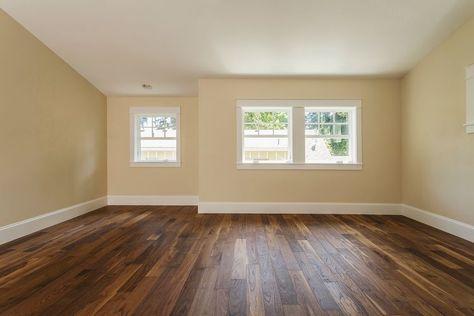 How To Install Shoe Molding Or Quarter Round Molding Vinyl Flooring Laying Laminate Flooring Flooring
