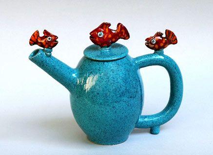 blue-red-fish-teapot-437x319