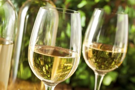 The Best Wine To Avoid A Headache Livestrong Com Moscato Wine Wine Preserver Wine Calories