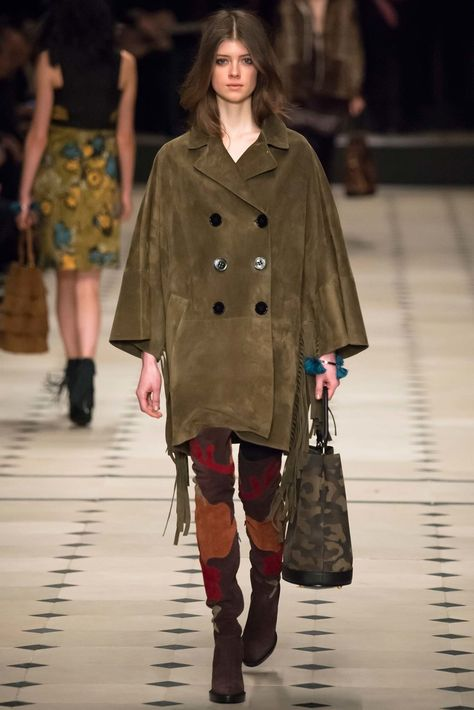 Burberry Prorsum Fall 2015 Ready-to-Wear Fashion Show Collection: See the complete Burberry Prorsum Fall 2015 Ready-to-Wear collection. Look 27