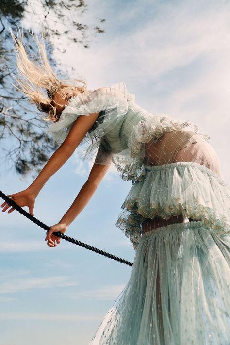 Esti van Balen by Georges Antoni for Elle Australia Nov 2018 (4).jpg