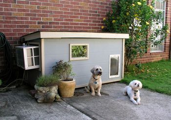 Dog House With Window Ac Dog House Diy Cool Dog Houses