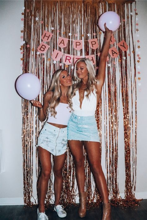 13th Birthday Parties, Birthday Party For Teens, 14th Birthday, Sweet 16 Birthday, Birthday Party Themes, Girl Birthday, 18th Birthday Outfit Ideas, Birthday Photoshoot Ideas, Tumblr Birthday