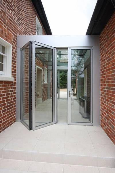 Aluminium Bi Fold Doors In Glass Link Projects Hedgehog Aluminium Systems Aluminium Doors Aluminium Windows Doors Glass Walkway