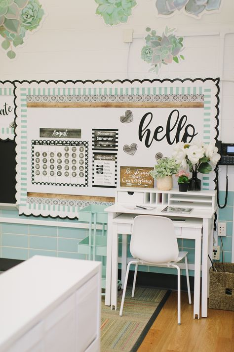 Discover recipes, home ideas, style inspiration and other ideas to try. Calm Classroom, Kindergarten Classroom Decor, Classroom Layout, Classroom Decor Themes, 3rd Grade Classroom, Classroom Setting, Classroom Design, Classroom Organization, Classroom Management