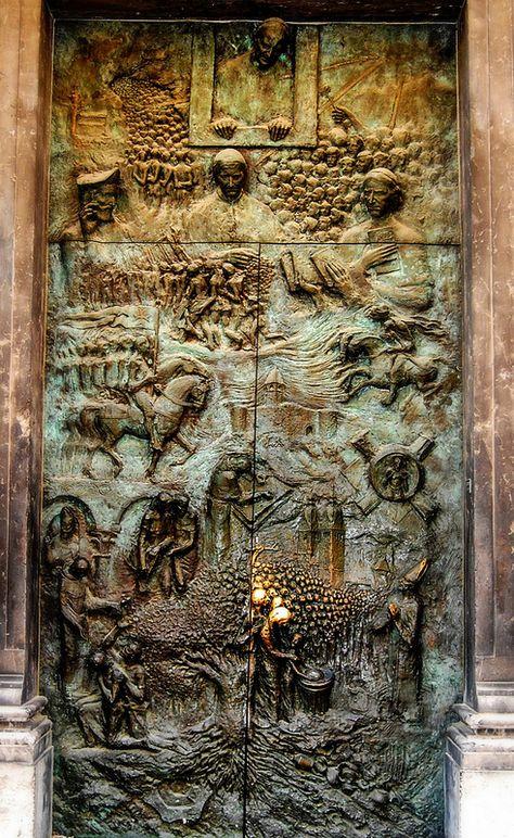 Ljubljana, Slovenia Your holidays in Slovenia! Contact us on Skype: e-growman… Cool Doors, Unique Doors, Entrance Doors, Doorway, Door Knockers, Door Knobs, Porte Cochere, Vintage Doors, Door Trims