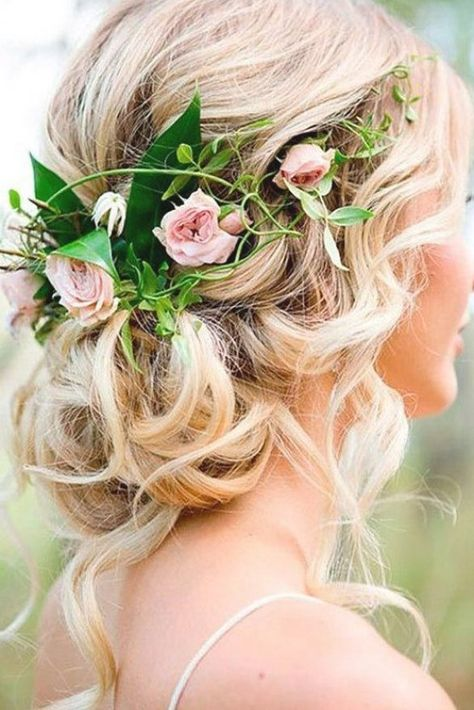 34 Loose Wedding Updos for Long Hair #weddinghairstyles #looseupdolonghair #messybunhairstyles