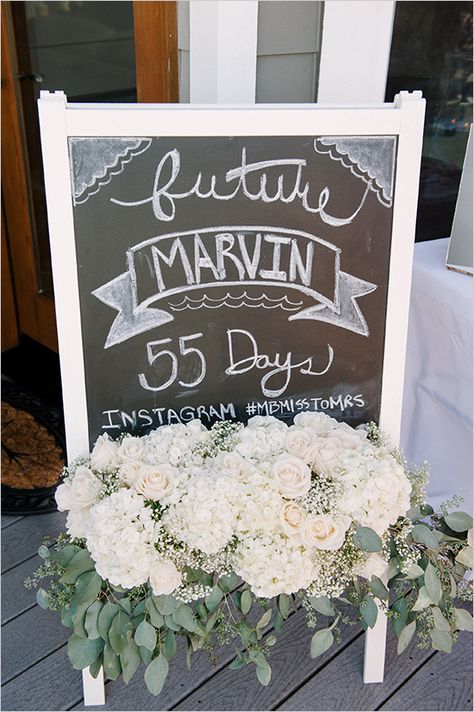 wedding countdown chalkboard sign - I love this, everyone knows exactly how soon the wedding is, without having to ask.
