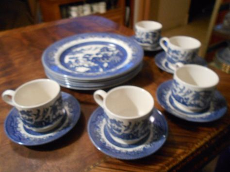 Blue Willow Ware Churchill China Made England Fifteen Piece Set Vintage | Ware FC China and Vintage pottery & Blue Willow Ware Churchill China Made England Fifteen Piece Set ...
