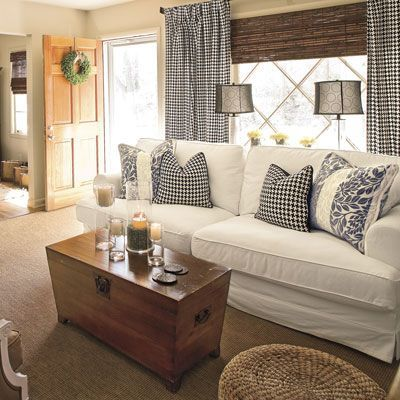 Living Room Layout Double Lamps On Sofa Table In Front Of Bay Window Cottage Living Rooms Farm House Living Room Living Room Decor Country