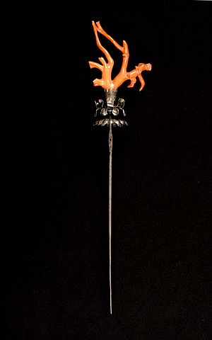 Hatpin 19th century. Red Coral. Collection del Museo Nazionale delle Arti e Tradizioni Popolari