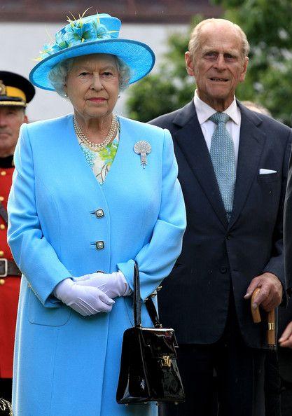 Queen Elizabeth Ii Photos Photos Queen Elizabeth Ii Visits Canada Day 3 Queen And Prince Phillip Queen Elizabeth Prince Charles And Diana