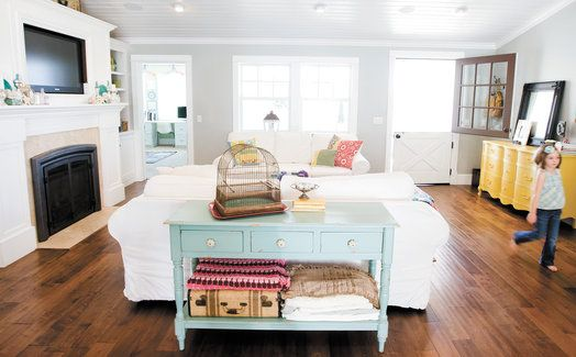 love the painted furniture!