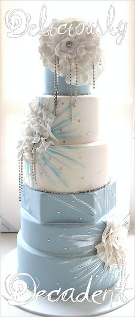 Blue & white wedding cake.