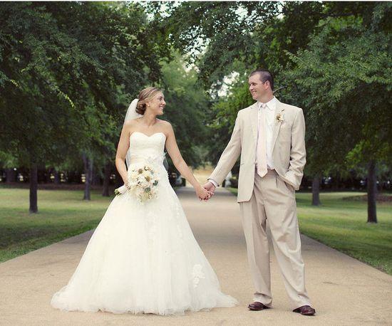 bride and groom rustic chic wedding ideas