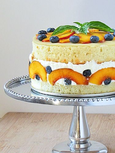 ? fresh fruit cake~ gorgeous