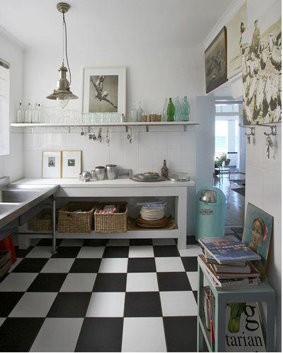 La vita puzza black and white tiles - Piastrelle bianche e nere ...