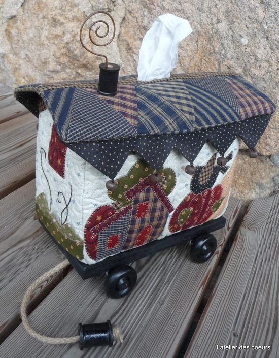 Créations en patchwork, boutons, cordons, atelier patchwork, décoration - Saint-Marin-en-Haut | L'Atelier des Coeurs