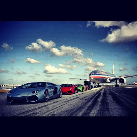 Reminds me of Fast 6, Awesome super cars taking formation! #Lambo