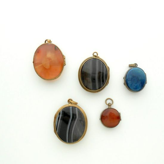 Keep your most precious photo in a Victorian locket made from colorful agate.