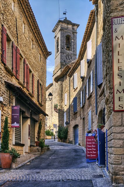 A street in the famous wine town of Châteauneuf du Pape, Provence, France