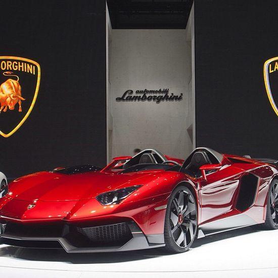 The monster Aventador J