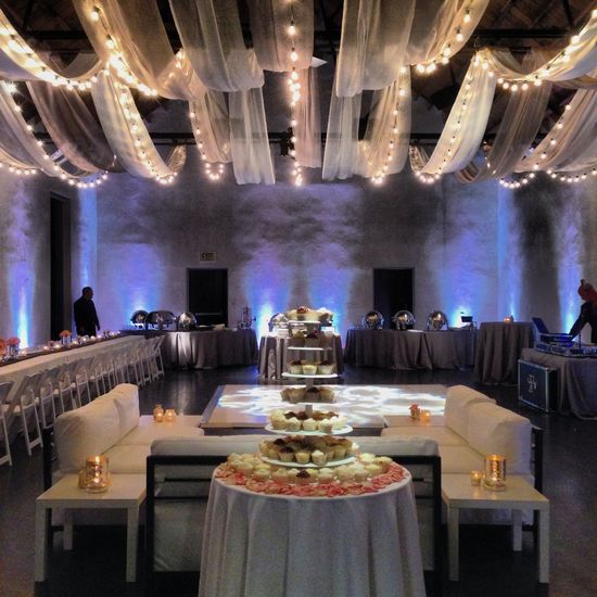 Vintage romantic wedding reception at Ruby.