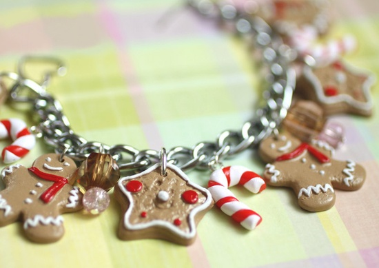 Ginger Bread man Bracelet  - Christmas jewelry - Free Shipping. $33.00, via Etsy.