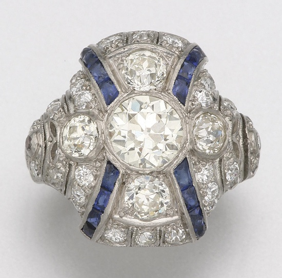 PLATINUM, DIAMOND AND SYNTHETIC SAPPHIRE RING, CIRCA 1925