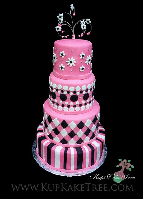 I long for a pretty pink cake!