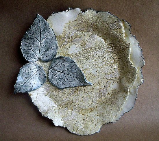handmade pottery three leaf pottery Bowl