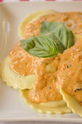Pasta with Creamy Roasted Red Pepper Sauce