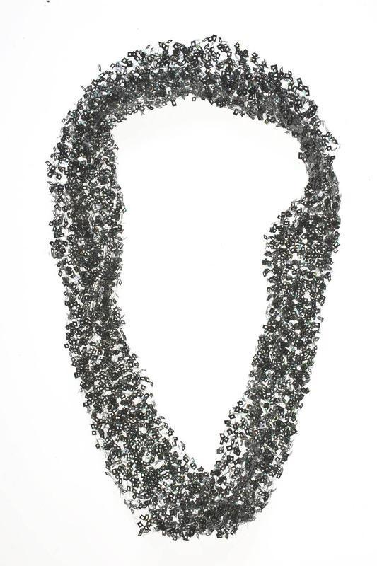 Verena Sieber-Fuchs - Zürich, 1997  Collier [Am rande des Films] - Pellicule de photo, fil métallique crocheté