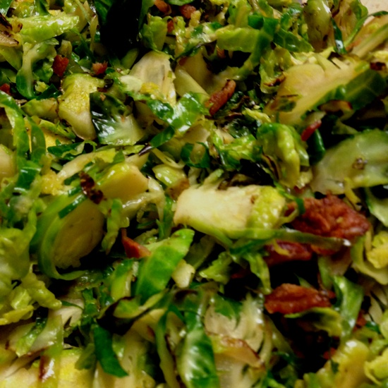 Caramelized Brussels Sprouts w/ Bacon