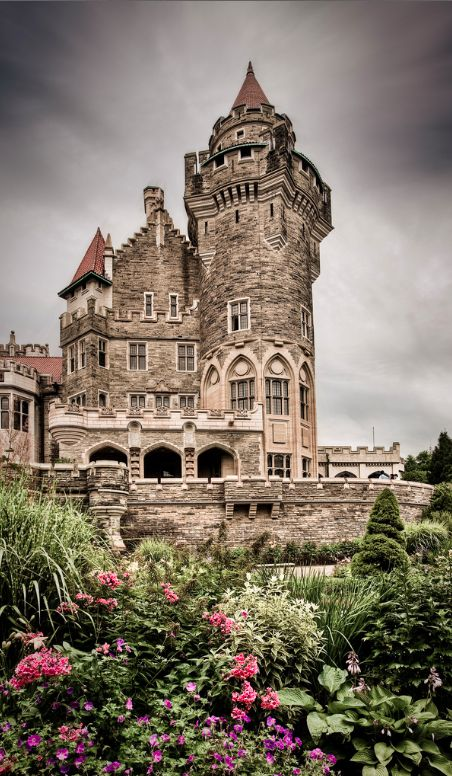 Castle Loma in Toronto ~ Ontario, Canada • photo: Benson Kua on Flickr