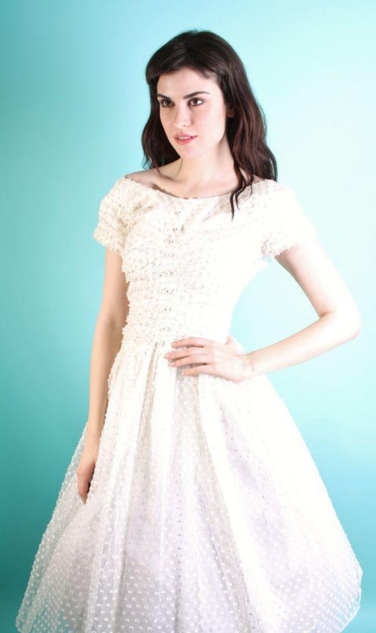 Wedding Dress / Vintage Wedding Dress / Vintage Lace by aiseirigh