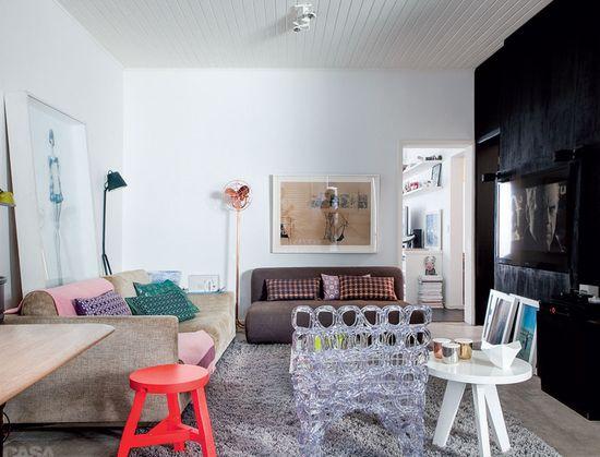 A Small Pop Home in Brazil #design #interior #brazil #modern #concrete #decor #decoration #designidea #interioridea