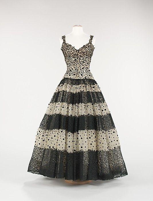 Balenciaga Dress - c. 1945 - House of Balenciaga (French, founded 1937) - Design by Cristobal Balenciaga (Spanish, 1895-1972) - Silk - @~ Watsonette