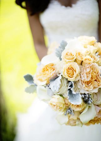 Love the soft yellow and blue. Bridal Bouquet  // Photography: Betsi Ewing Studio