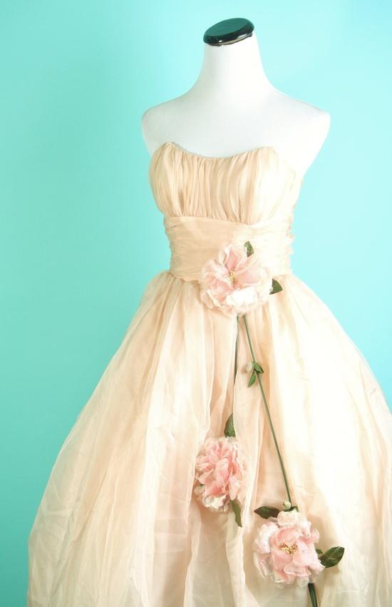1950s Wedding Dress ....