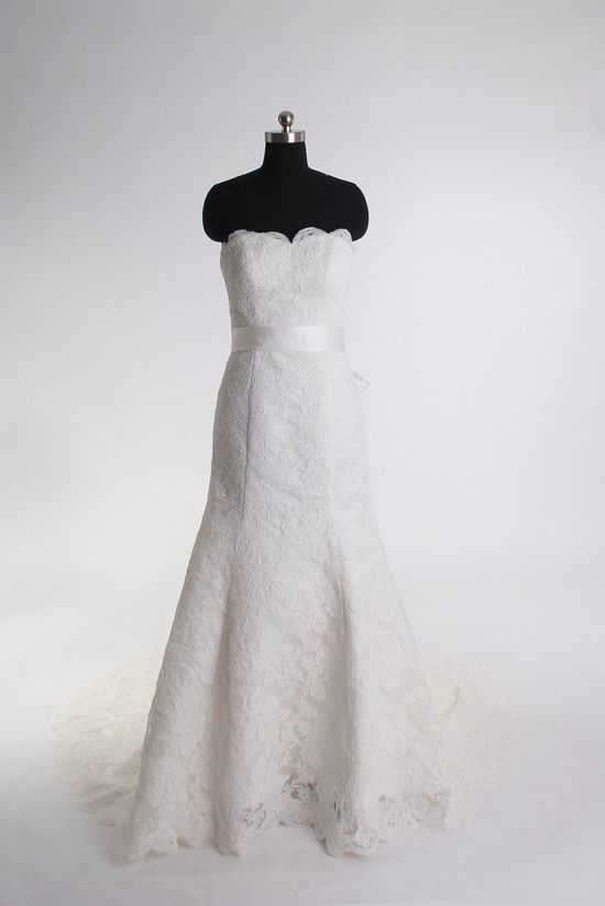Trumpet/mermaid lace sleeveless bridal gown